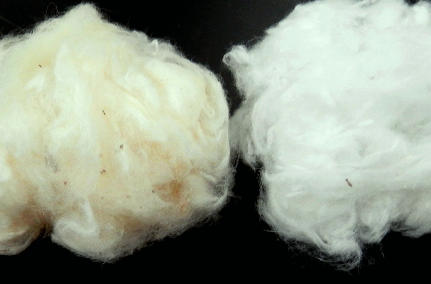 Desizing and bleaching of combed gray cotton